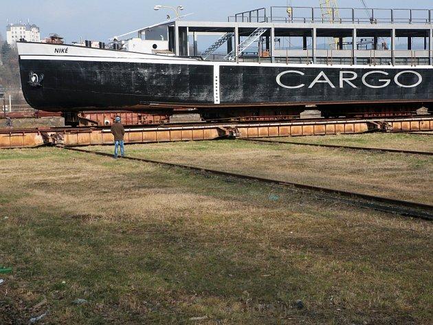 Niké je původní název nákladní lodi, která byla vyrobena už v 50. letech 20. století. Nyní nabídne kulturu.