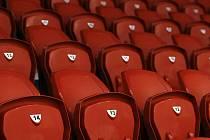 MODERNIZOVANÝ EDEN. Na tréninkovém stadionu hokejistů Slavie je 1066 nových sedaček.