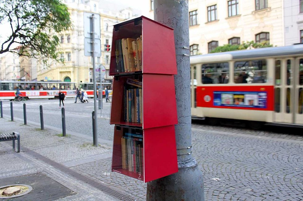Knihubudku můžete na Strossmayerově náměstí vidět od úterý.