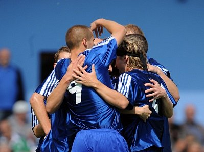A JE TO DOMA. Fotbalisté Loko Vltavín mohou slavit, vybojovali hned dva postupy najednou.