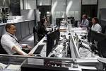 RFE/RL vysílá pro asi 30 milionů posluchačů v 28 jazycích do 21 zemí, ve kterých Spojené státy chtějí podporovat demokracii, například do Ruska, Běloruska, Iráku, Afghánistánu, Tádžikistánu nebo Turkmenistánu. USA rádio také financují.