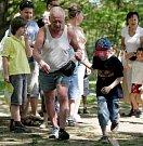 Benefiční běh seniorů a mateřinek v Kroužcích na Vltavě v úterý 1. května.