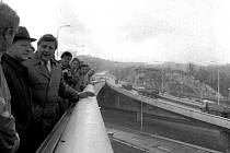 Most – Barrandovský most nesl v době svého otevření jméno Antonína Zápotockého. V roce 2020 se chystají rozsáhlé opravy mostu, které pravděpodobně ochromí Městský okruh.
