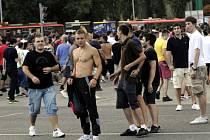 Srbští fanoušci. Ilustrační foto.