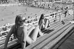 Plavecký stadion. Pro místní jistě vítanou změnou byla proměna bývalé cementárny na plavecký stadion, který sloužil jak sportovním výkonům, tak i relaxaci.