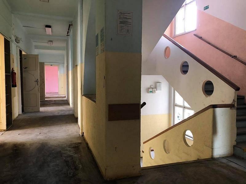 Trojdomí v ulici Šolínova v Praze 6. Po rekonstrukci zde vznikne centrum pro seniory.