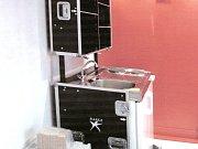 Snímek vařiče ze stánku 2. Na boku je spínač, o který osudný večer zavadil řemeslník.