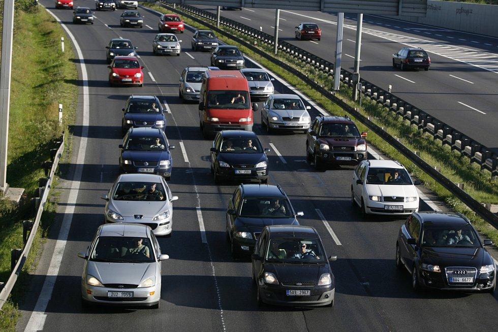 Kolona na dálnici D1. Ilustrační foto.
