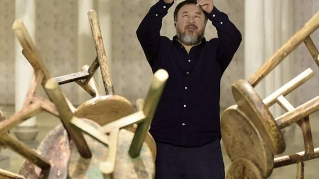 Čínský konceptualista a aktivista Aj Wej-wej.