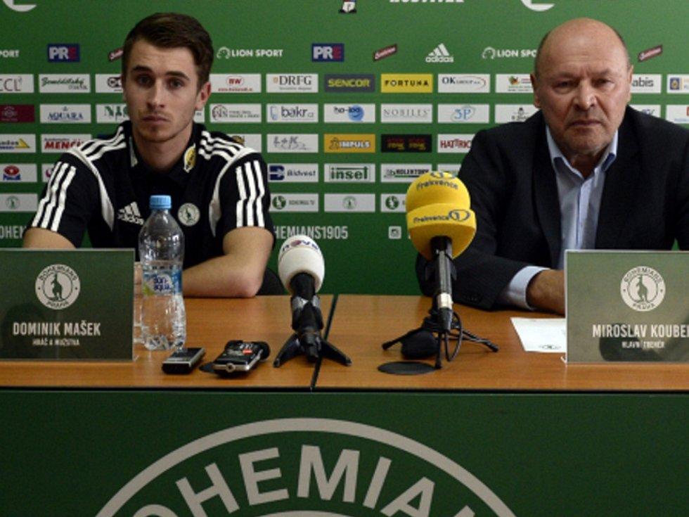 Hlavní trenér Miroslav Koubek (vpravo) a útočník Dominik Mašek na tiskové konferenci k jarní části ligy.