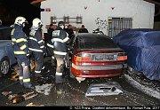 Požár odstaveného automobilu.