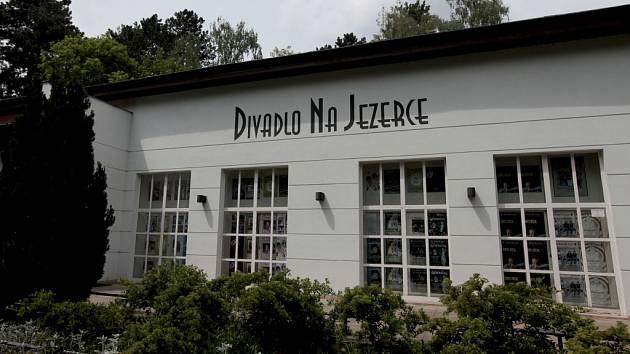 Oblíbené pražské místo herce Jana Hrušínského - Divadlo Na Jezerce.