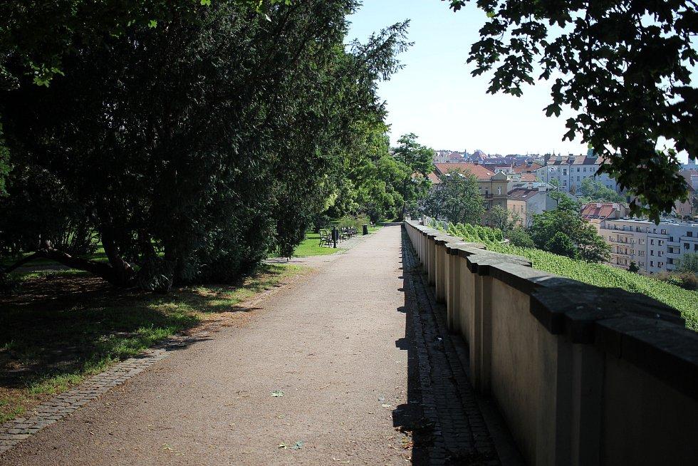 Park byl přejmenován na počest spisovatele a novináře Karla Havlíčka Borovského.