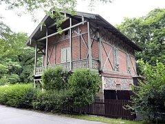 Bývalý drážní domek v parku Stromovka měl sloužit seniorům.