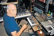 Legenda hry se syntezátory Don Preston.