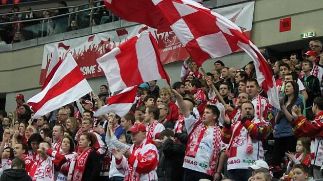 Fanoušci Slavie budou svůj tým ve skupině play out a v případné baráži podporovat hlavně svými hlasivkami.