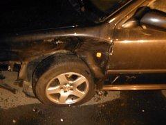 Opilý řidič taxi v Praze 11 naboural několik vozidel.