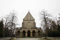Kaple sv. Václava na Vinohradských hřbitovech v Praze, kde je hrobka rodiny Havlových a kam bude pohřben i Václav Havel.