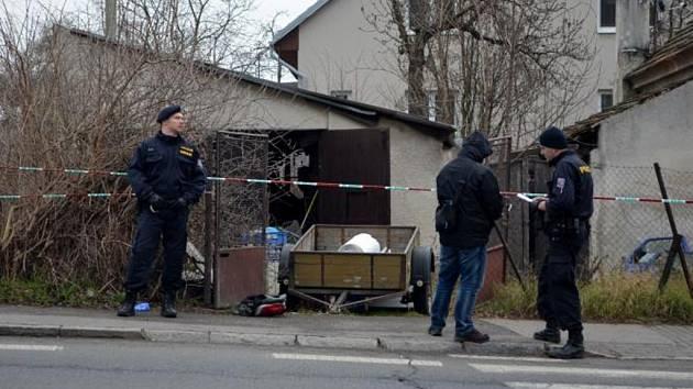 Majitel garáže v Čimicích přistihl zloděje, kteří se vloupali do jeho garáže. Jednoho z nich v sebeobraně postřelil.