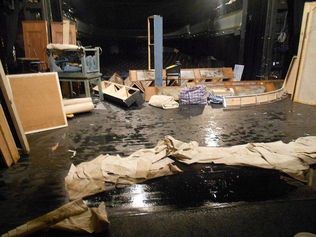 Divadlo ABC v Praze zaplavila v úterý 27. května 2014 voda z přívalové bouřky.