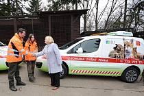 Pražská záchranná zvířecí stanice získala dva nové odchytové vozy.