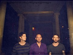 Brooklynská alternativní rocková skupina The Antlers.