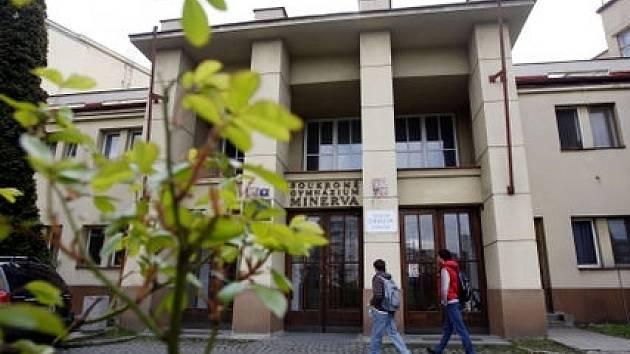 Soukromé gymnázium Minerva končí, kam půjdou studenti a učitelé je zatím nejisté.