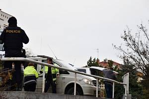 Na parkovišti v Krči ležel mrtvý muž.