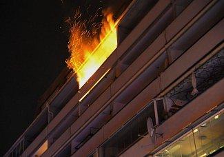 Požár balkónu na Žižkově.