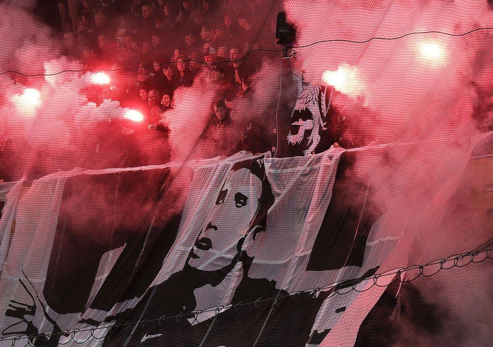 Zápas fotbalové Fortuna ligy AC Sparta Praha - FC Baník Ostrava na Letné 4.května.