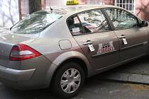 Vůz zavražděného taxikáře.