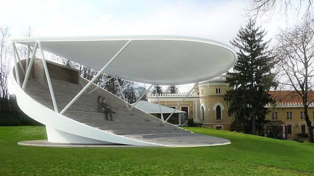 Otáčivé hlediště v představách architektů. Zatím není aktuální otázka, kam jej v krčském parku umístit. Lesní divadlo tak zatím zůstává opět pouhou ideou.