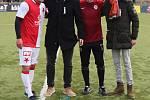 Tradiční silvestrovské souboje bývalých hráčů Slavie a Sparty. Nejlepšími hráči derby byli slávista Rudolf Skácel a sparťan Václav Koloušek.