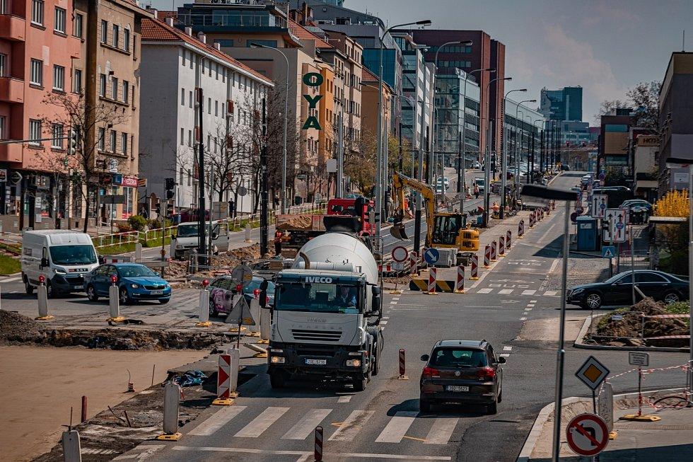 Rekonstrukce tramvajové trati a prodloužení kolejí až ke stanici metra Pankrác.
