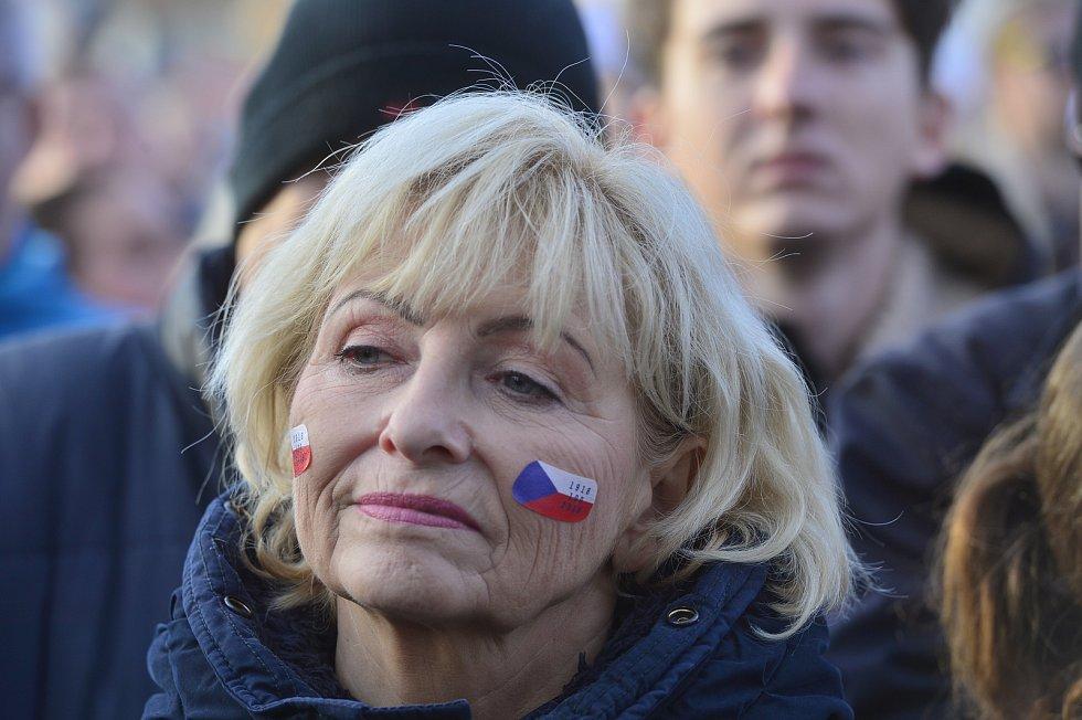 Demonstrace proti Andreji Babišovi na Letné 16. listopadu 2019.