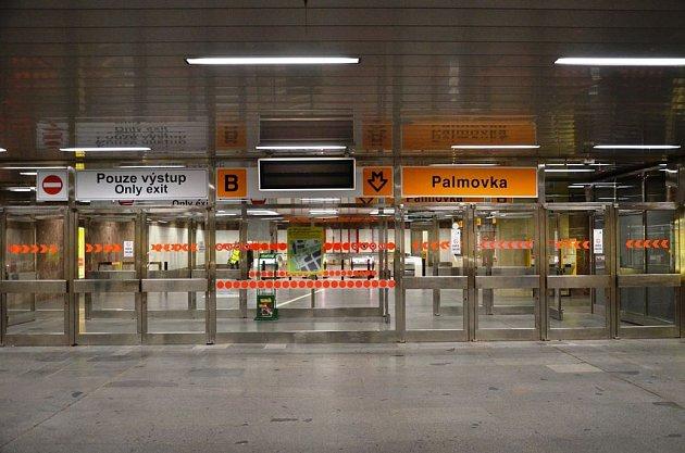 Stanice metra Palmovka plně v provozu.
