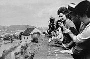 Valentina Těreškovová – Vyšehrad nebyl jen pro slavné zesnulé, ale navštívili jej i mnohé živé osobnosti jako například první žena ve vesmíru Valentina Těreškovová. Ta se nechala slyšet, že z vesmíru jsou krásné výhledy, ale ten z Vyšehradu jim konkuruje.