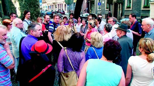 SPOLEK přátel Petrské čtvrti pořádá vlastní kulturní akce, vydává občasník a snaží se zmírnit dopravní zatížení čtvrti.