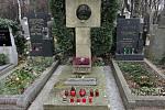Olšanské hřbitovy, hrob Vladimíra Menšíka.
