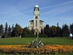 Kostel svatého Václava v Psychiatrické léčebně Bohnice se nachází uprostřed areálu.