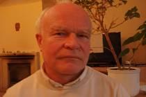 Miroslav Cúth, farář z kostela Cyrila a Metoděje se brání názoru, že církev má moc. Tu prý má jen Bůh