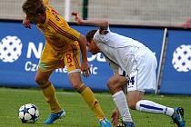 Fotbalisté Dukly Praha porazili v pátek večer na domácím trávníku Kladno 3:1 a zajistili si tak postup do Gambrinus ligy.