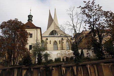 Klášter benediktinů na Slovanech (Emauzy) vPraze 24.října 2008.