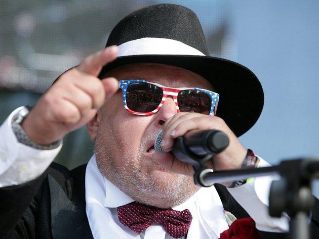 Již 13. ročník hudebního festivalu Barvy léta 2014 proběhl v sobotu 12. července u jezera v Poděbradech.