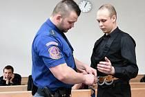 Za pokus o vraždu obžalovaný Miloslav Mácha u Vrchního soudu v Praze.