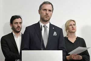 Adam Scheinherr, Zdeněk Hřib a Hana Třeštíková.