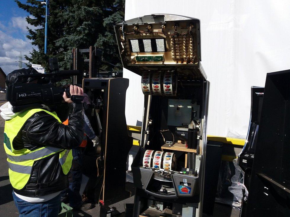 Likvidace zabavených automatů.