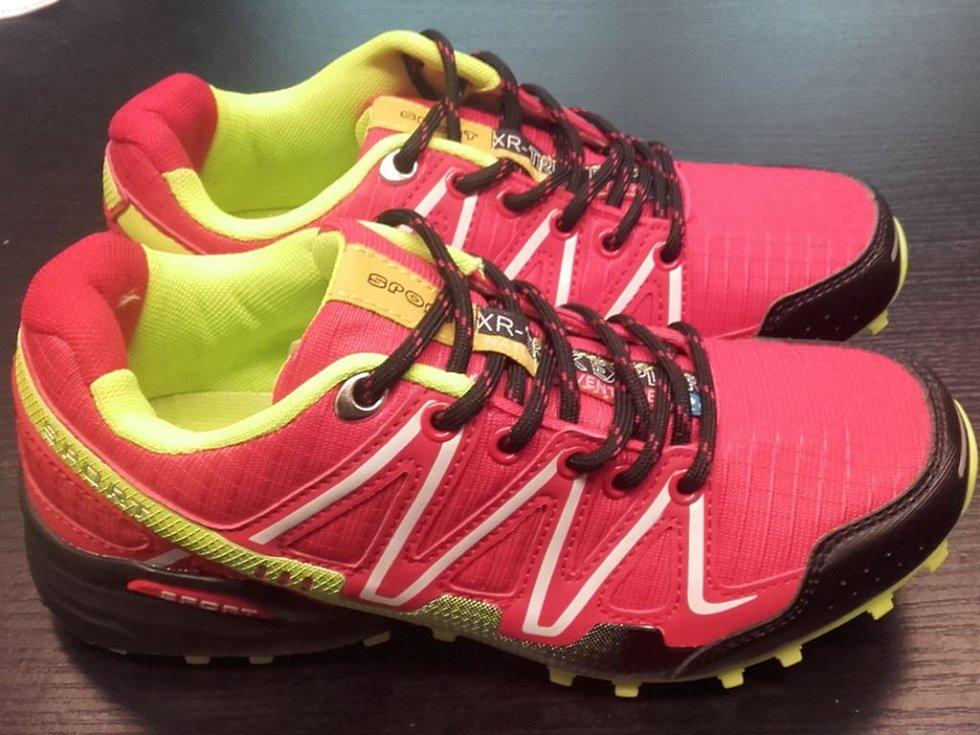 Padělky sportovní obuvi.