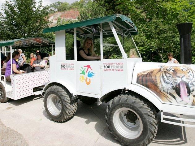 Jízda povodňovým vláčkem v zoo