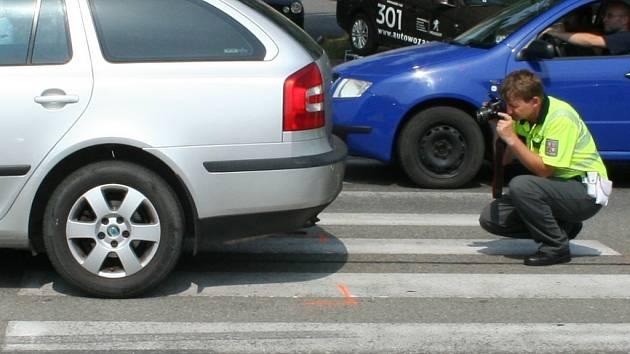 Vyšetřování střetu auta s chodcem. Ilustrační foto.